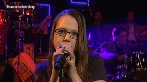 Stefanie Heinzmann live: How Does It Feel