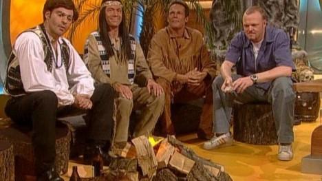 Der schuh des manitu und seine crew tv total ganze for Schuh des manitu zitate