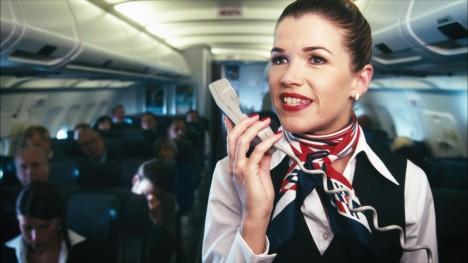 humor über die stewardess im flugzeug