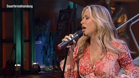 Anastacia -  Dream On