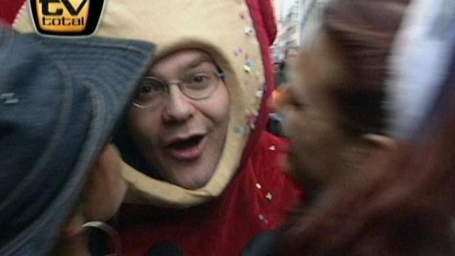 00e52d16fd0c8 TV total - Elton beim Karneval, Teil 2 -Ganze Folgen online schauen