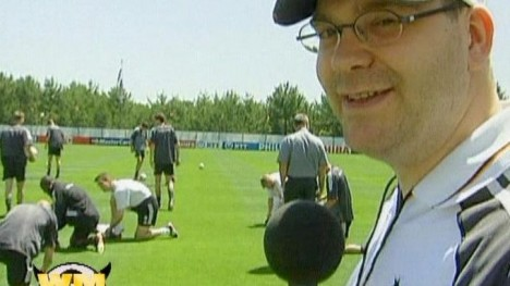 Elton beim Training der National-Elf